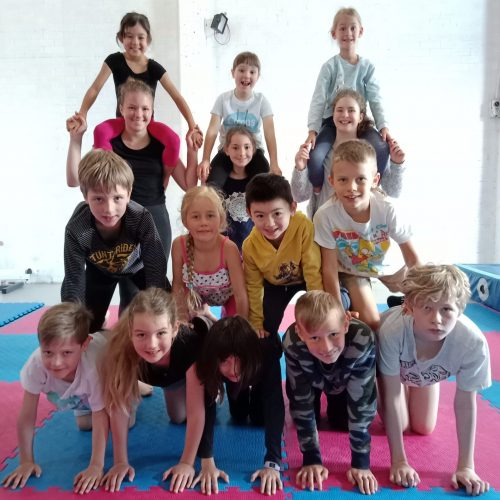 Acrobatic pyramids with kids circus classes in Hornsby